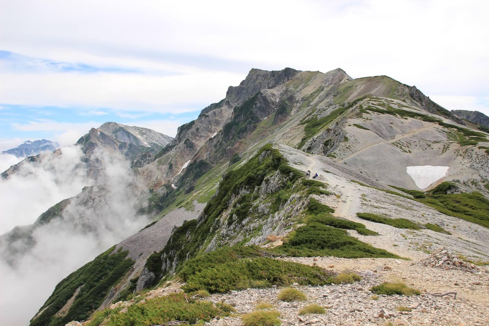 白馬岳へ続く稜線