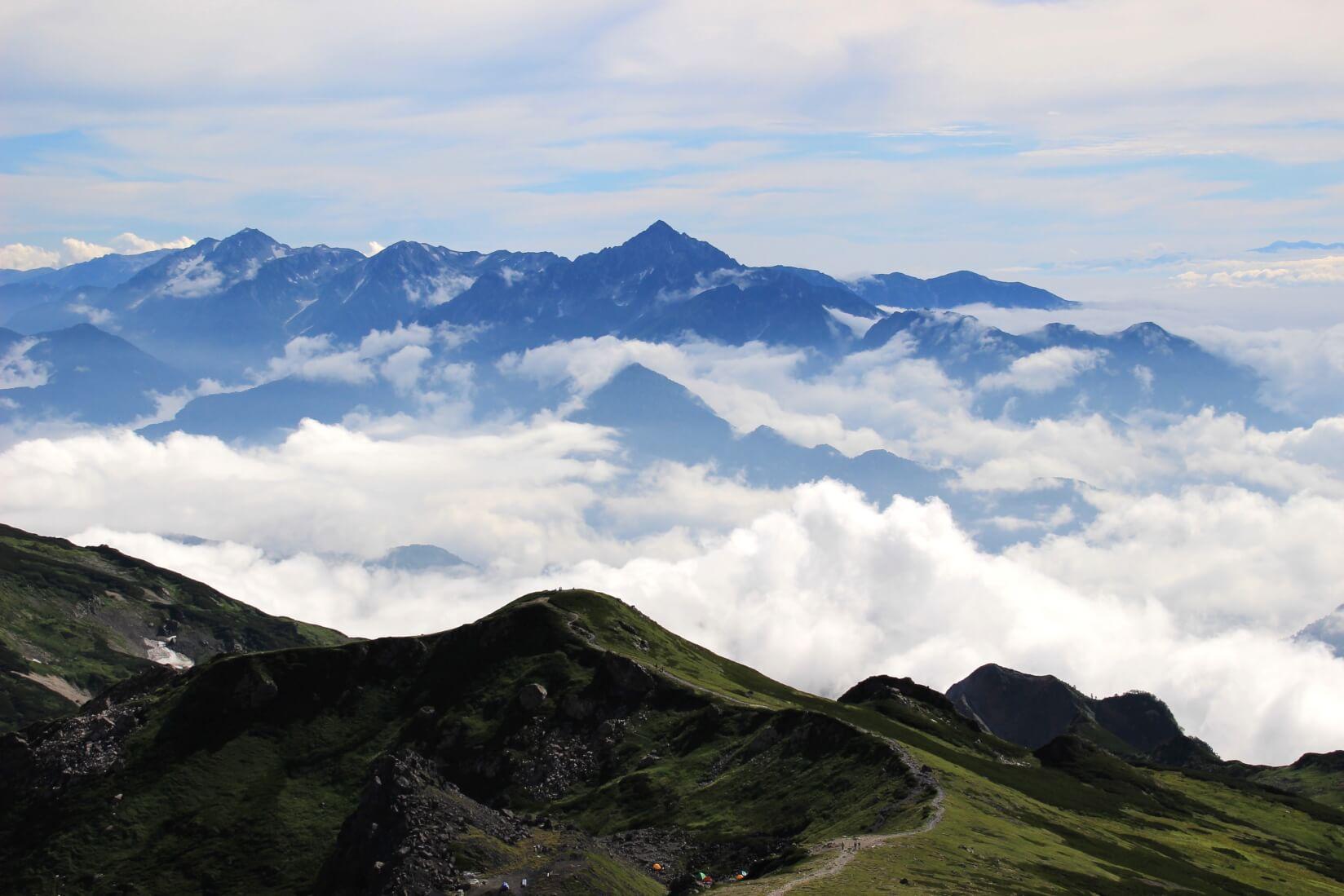 白馬岳より剱岳方向