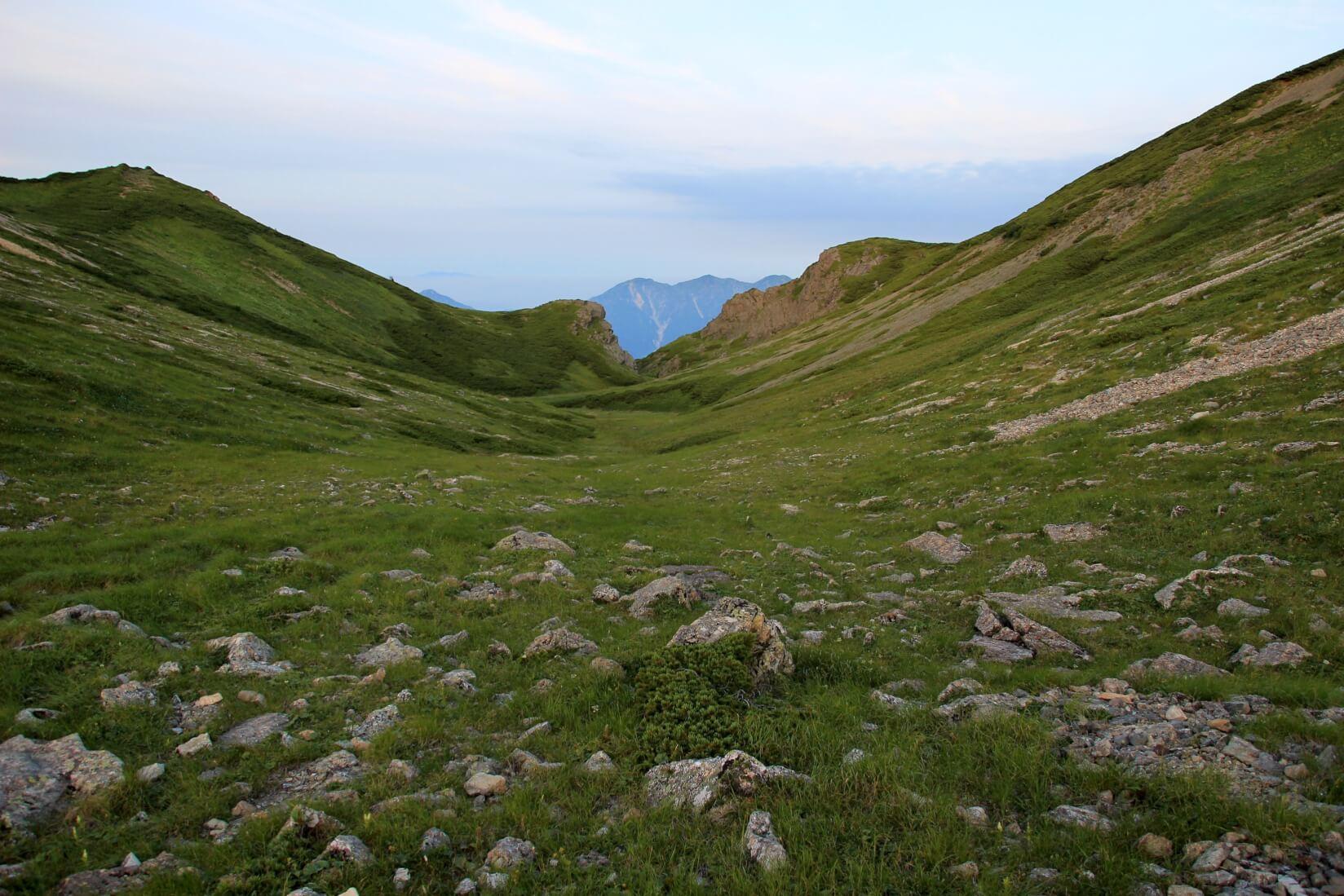 白馬三山の稜線より富山側
