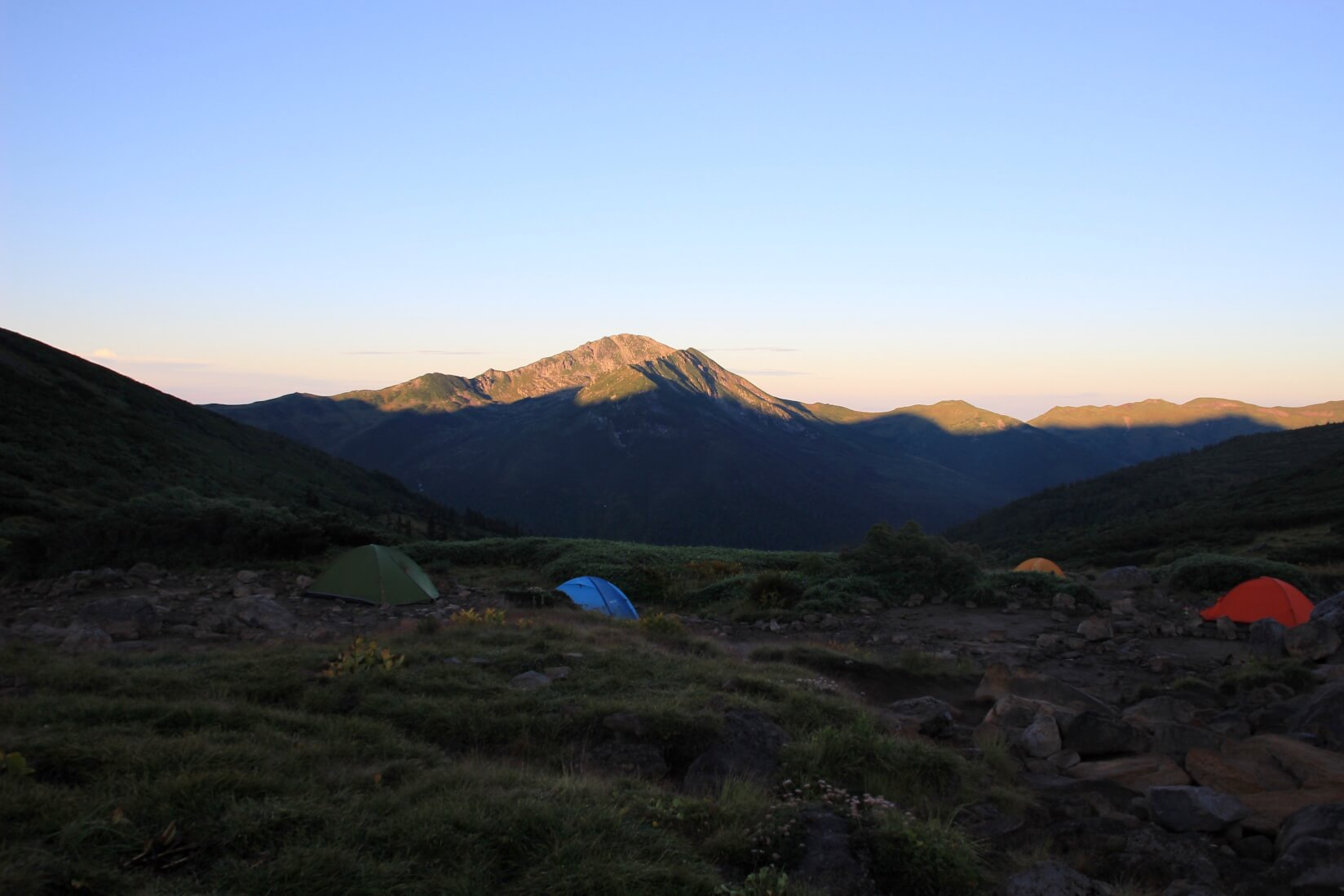 雲ノ平キャンプ場より黒部五郎岳方向