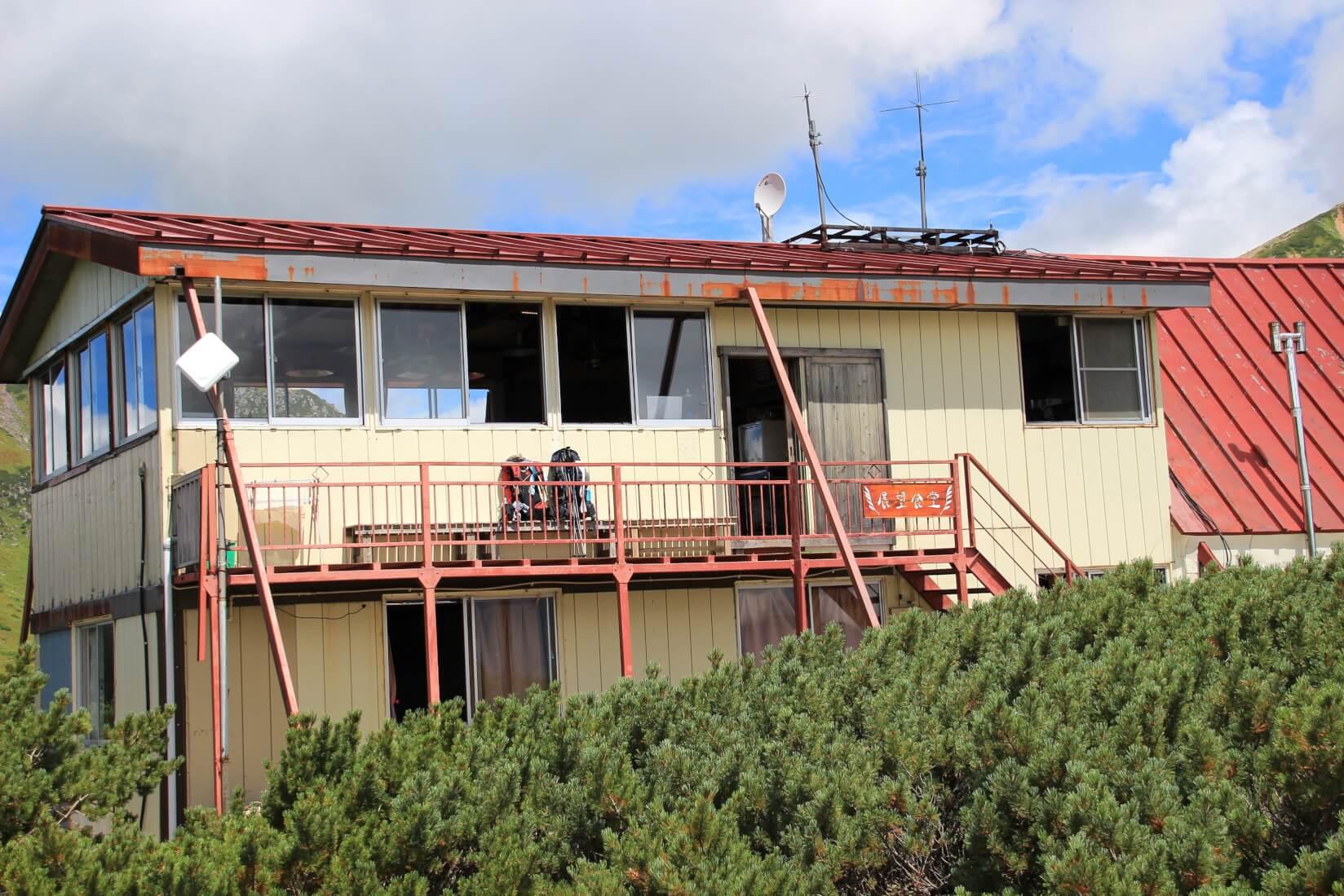 三俣山荘2階の展望食堂