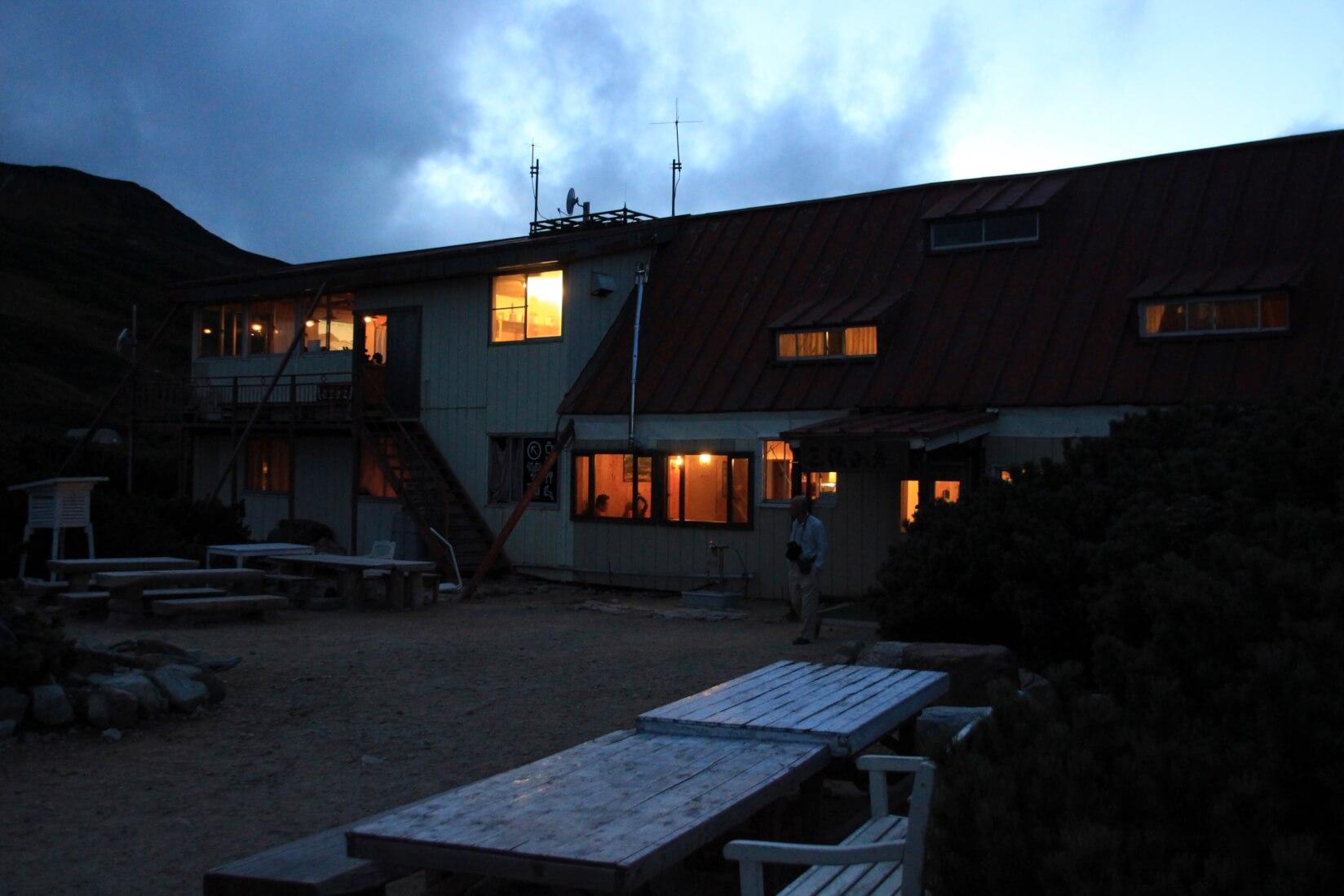 夜の三俣山荘