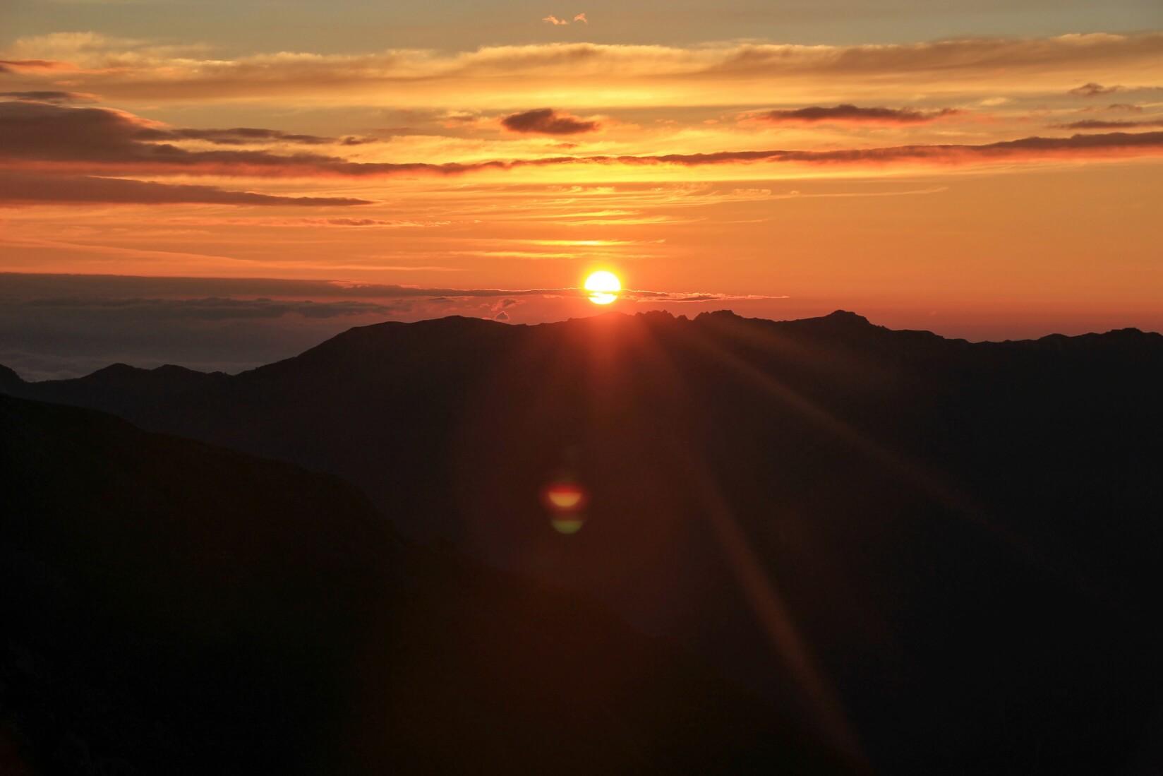 三俣蓮華岳より日の出