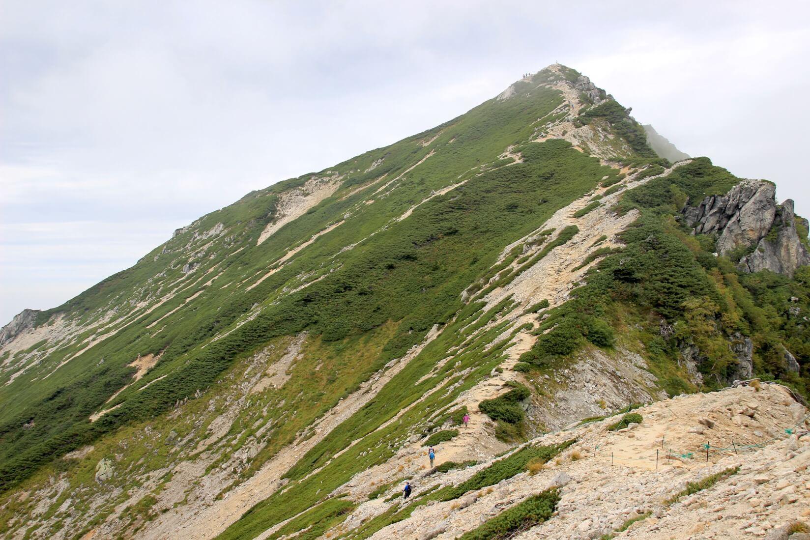 唐松岳頂上山荘より唐松岳