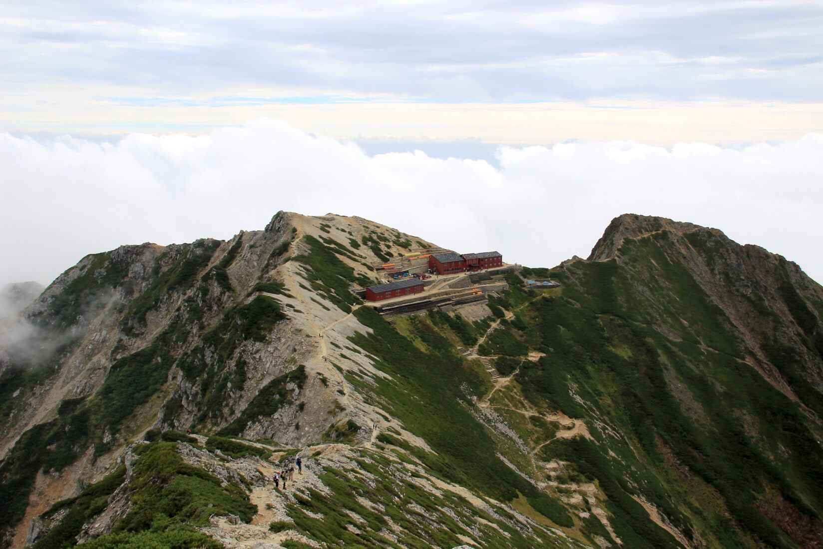 唐松岳山頂より唐松岳頂上山荘