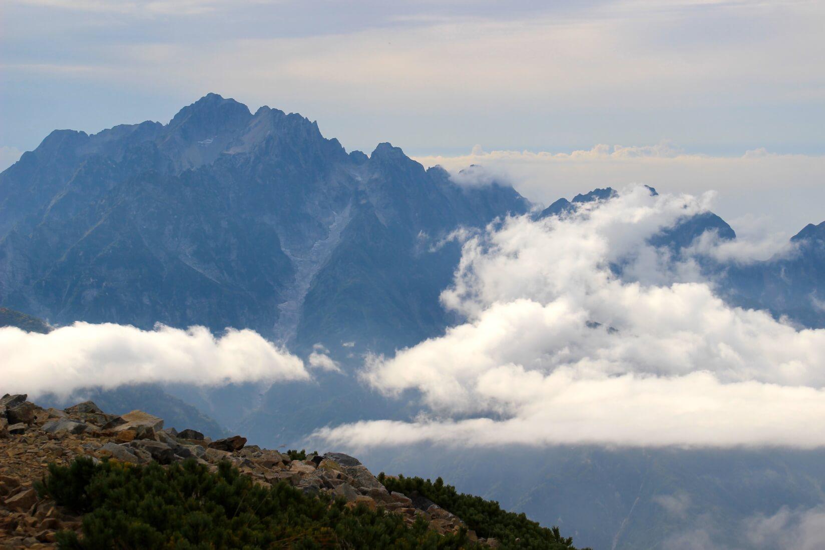 鹿島槍ヶ岳山頂から剱岳