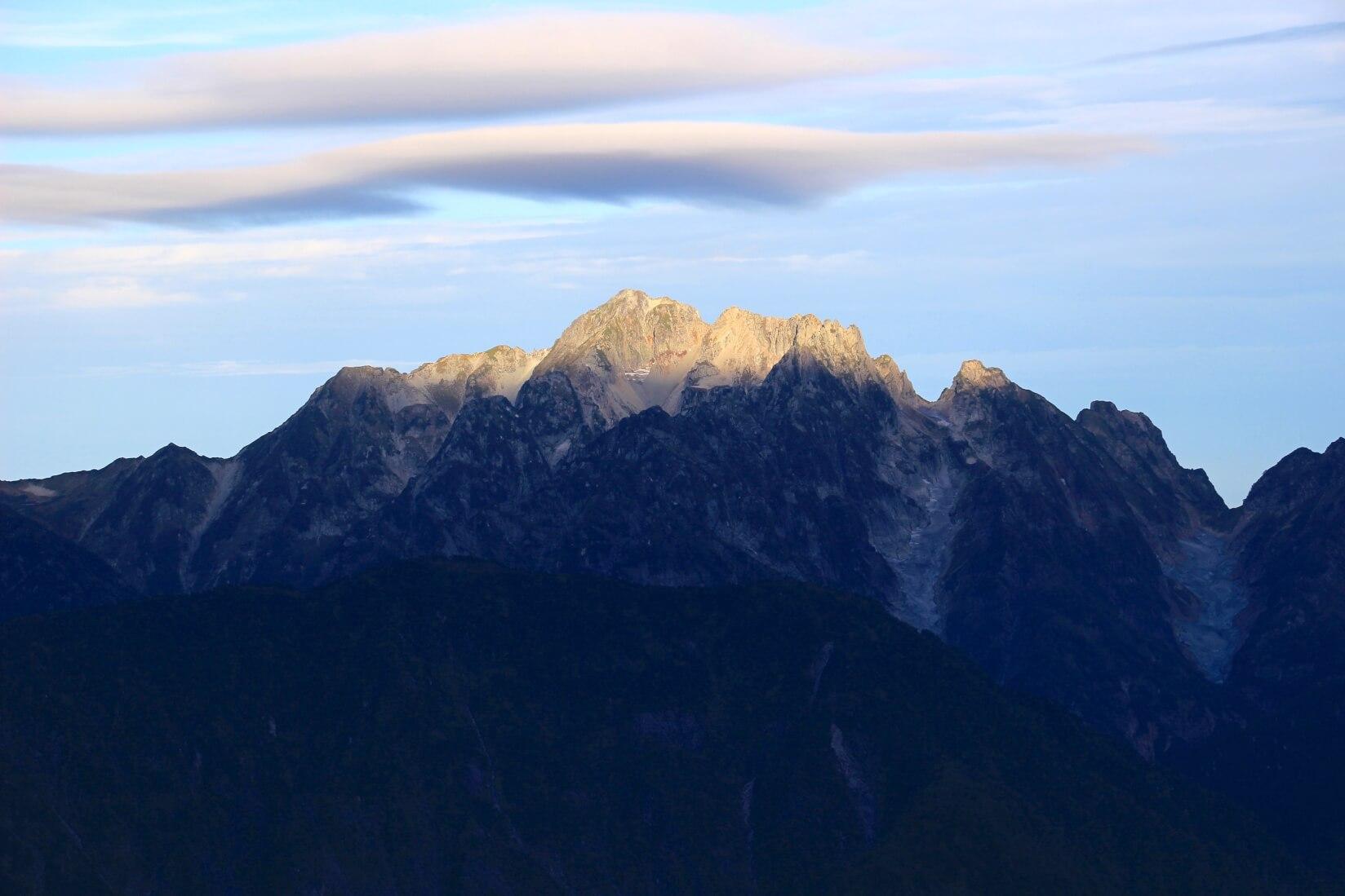 爺ヶ岳の稜線から剱岳