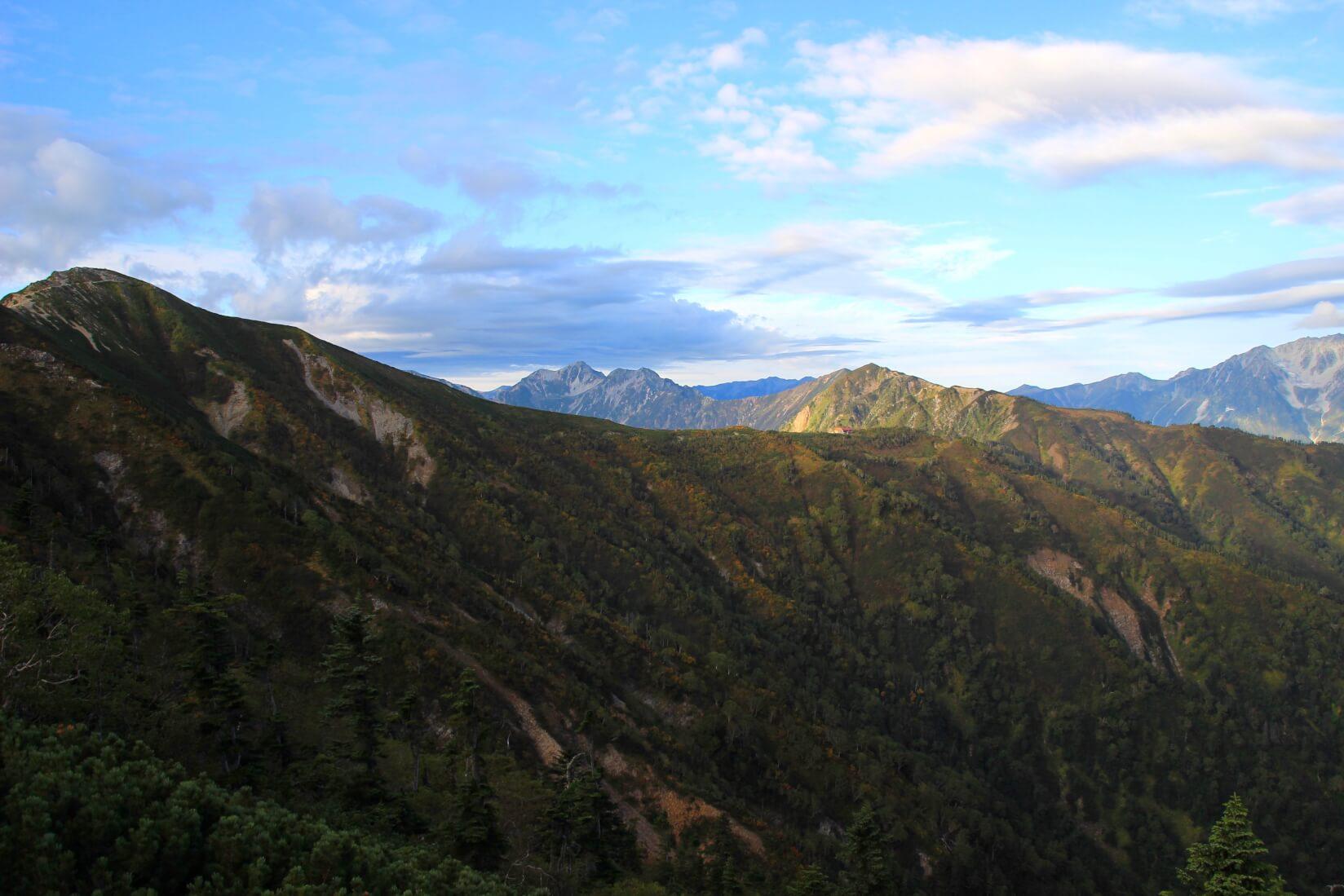 爺ヶ岳より種池山荘方向