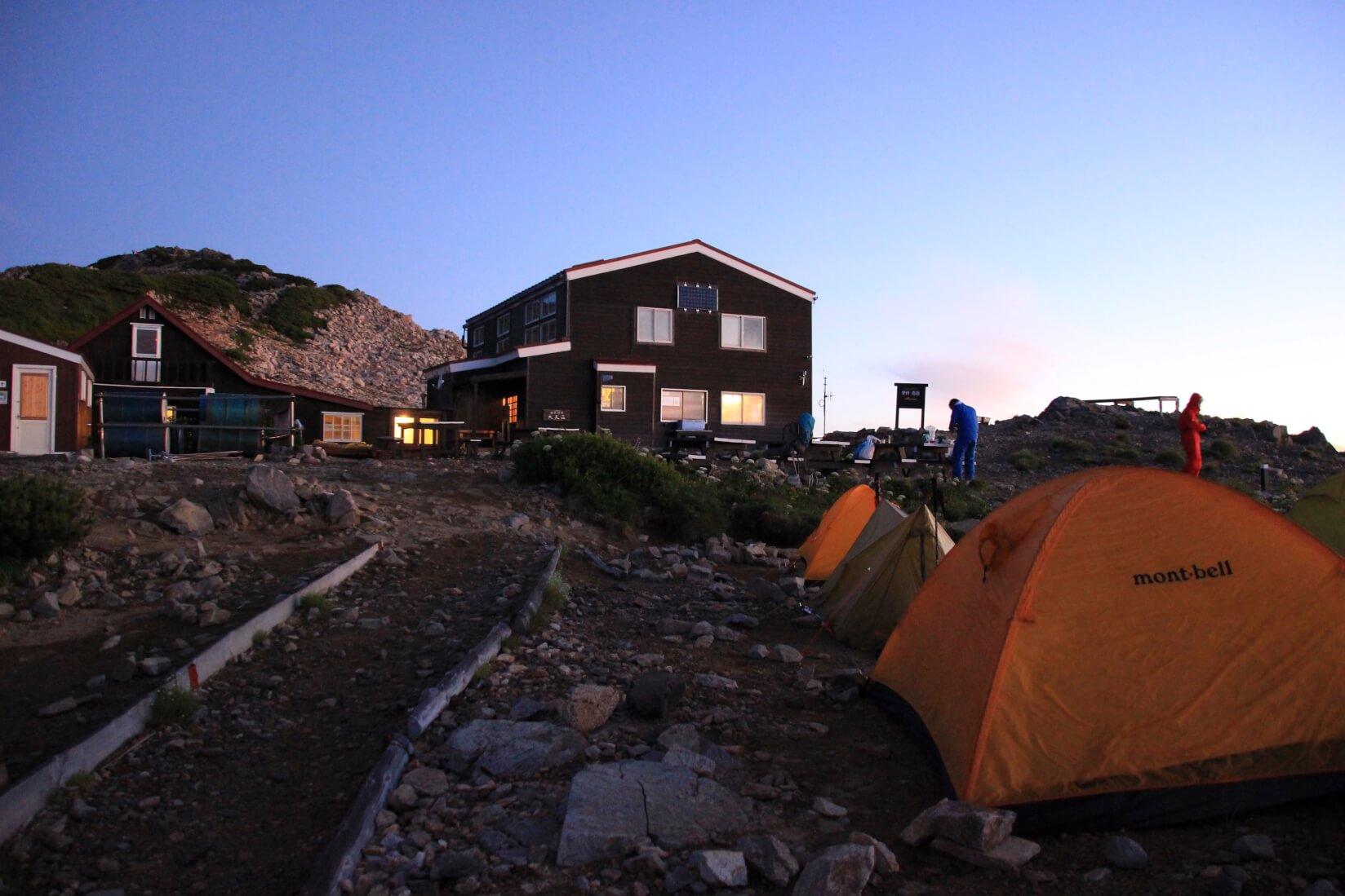 大天荘とテント場