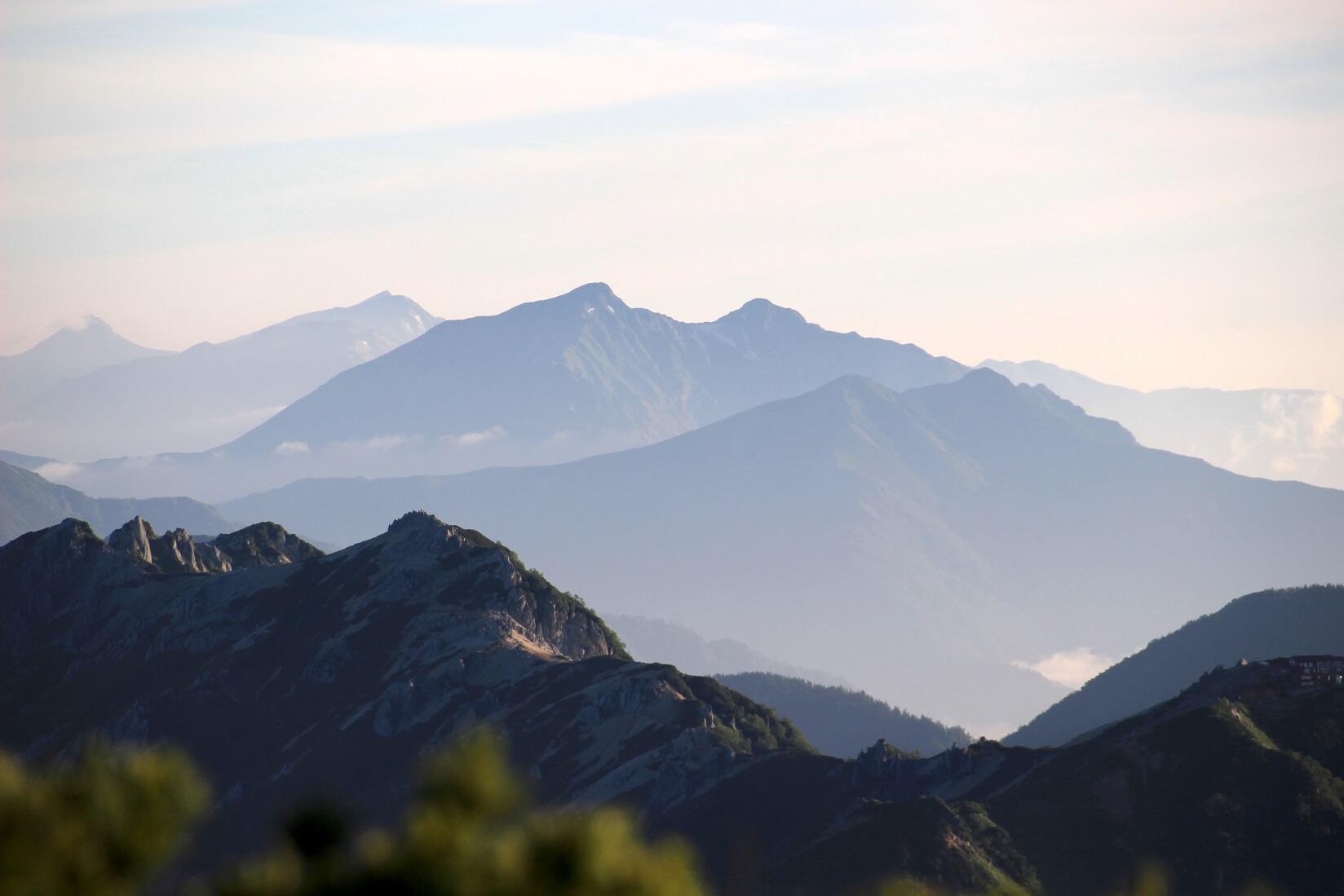 表銀座の稜線より鹿島槍ヶ岳