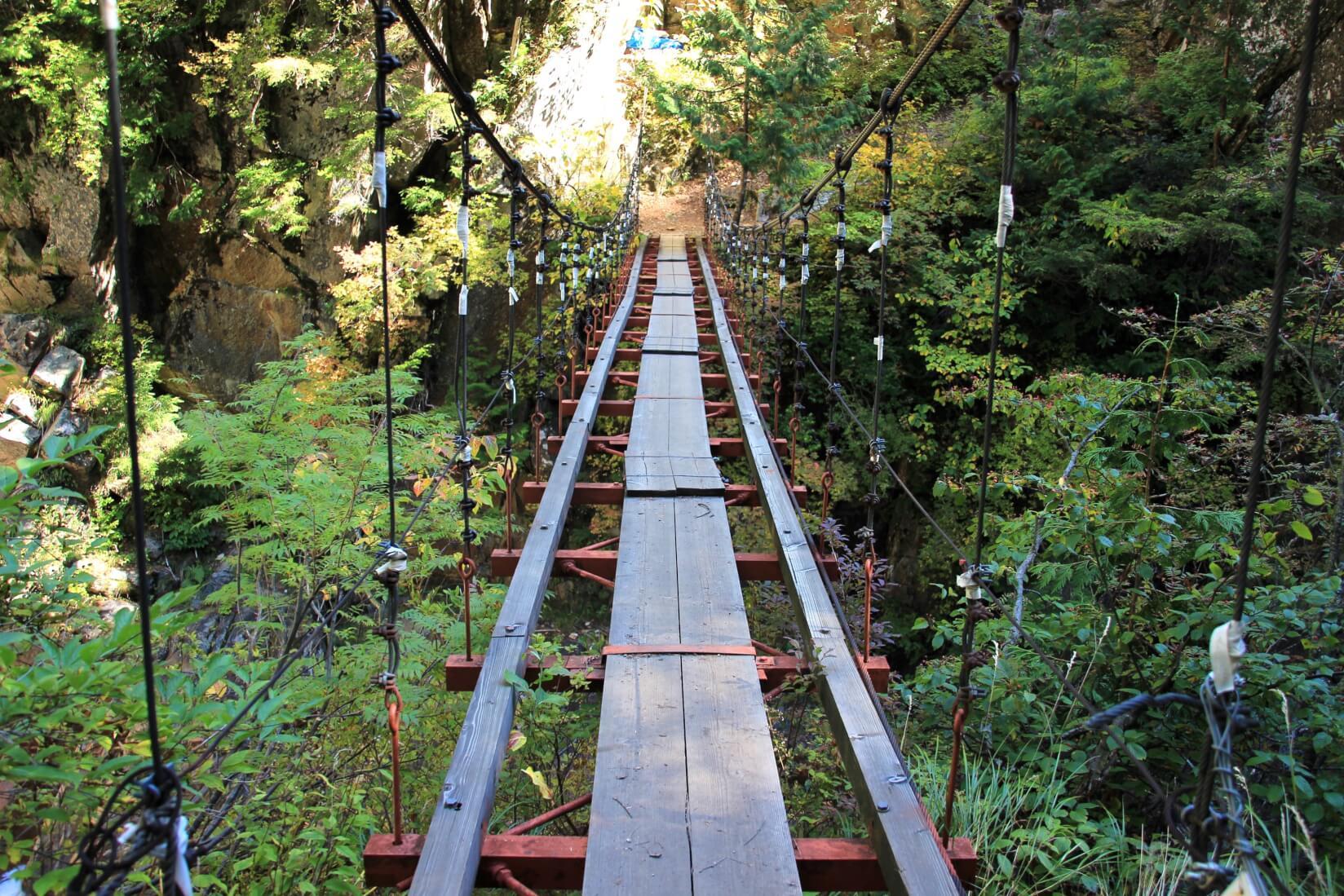 下ノ廊下、十字峡吊橋