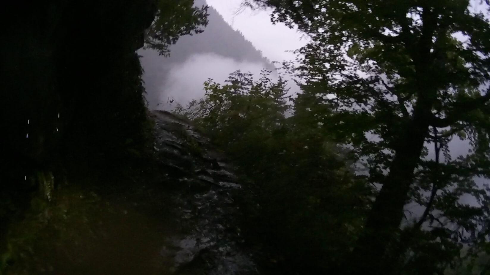 下ノ廊下、阿曽原温泉小屋〜砂防堤トンネル区間