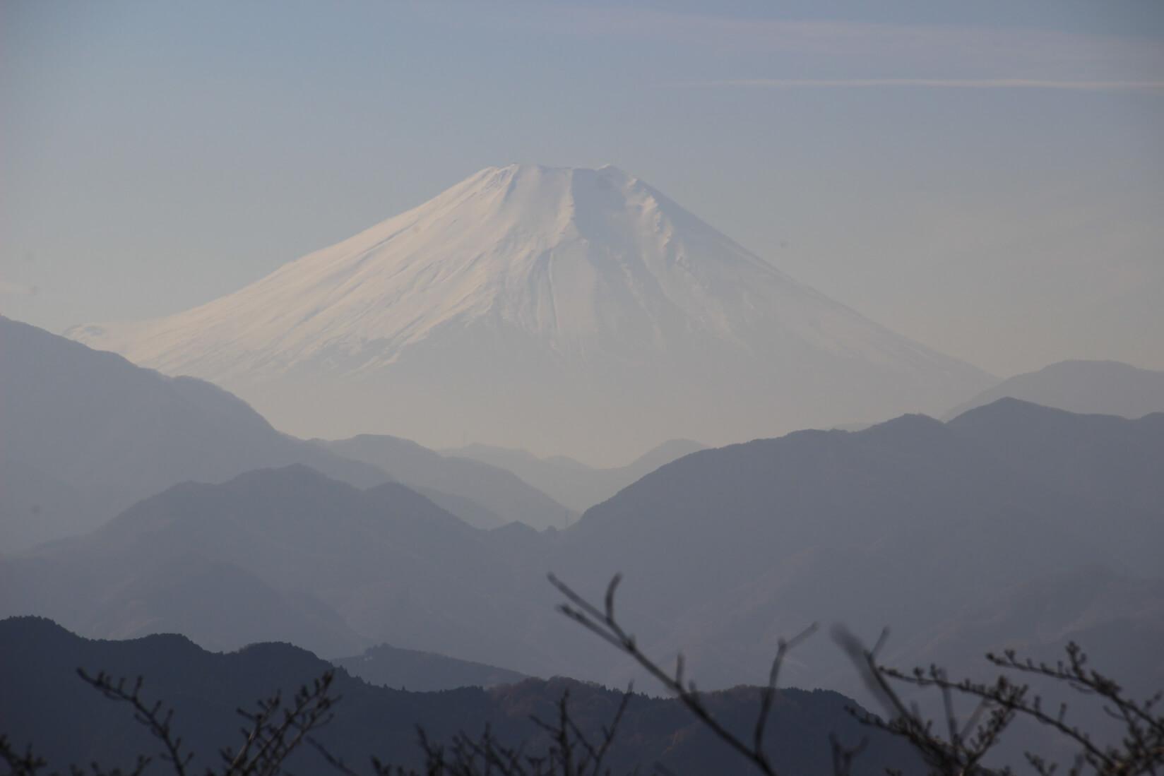 高尾山大見晴台より富士山