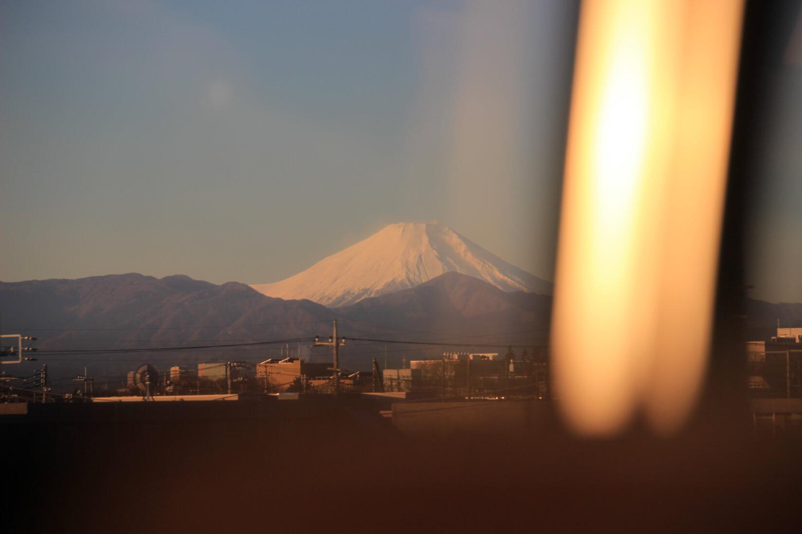 スーパーあずさから富士山