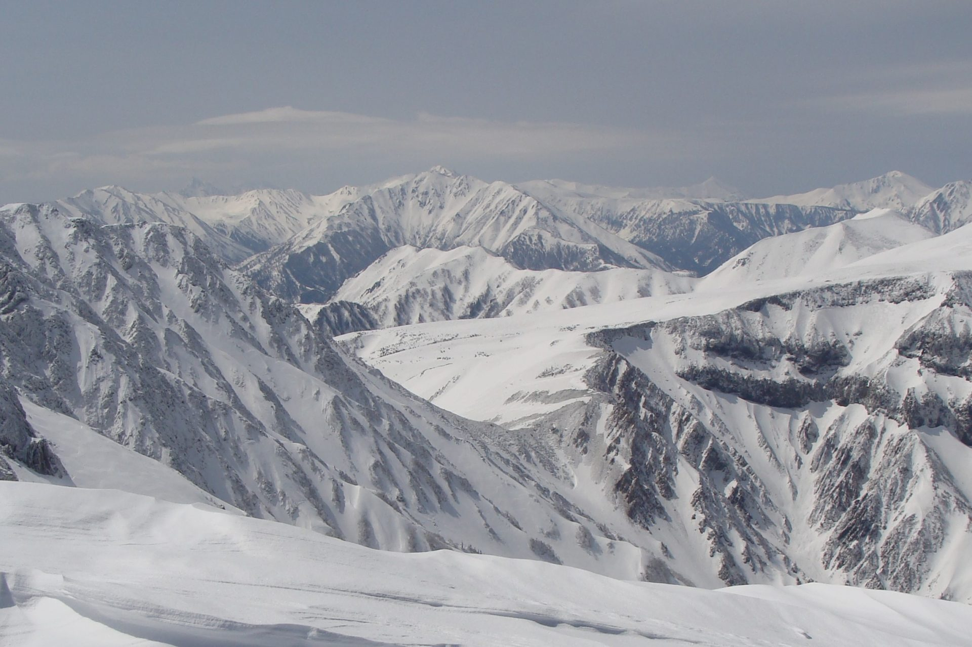 立山:GWに(積雪期)室堂から美女平までスキーorトレッキングされた方はおられますか?